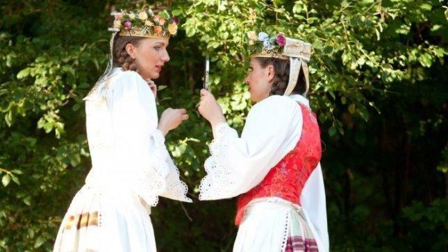 Lietuvių tarmės ne nyksta, o    keičiasi