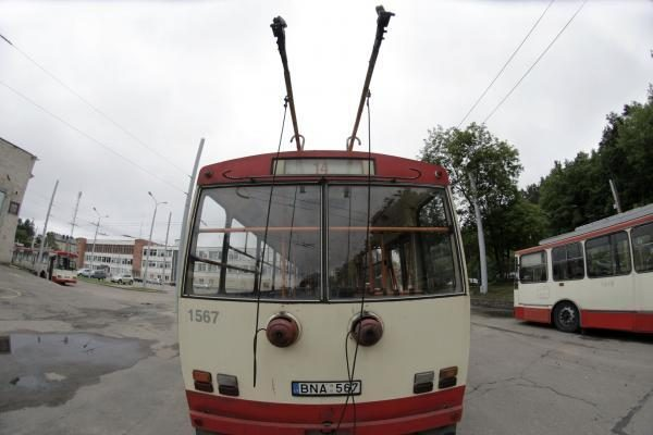 Sostinėje jungiamos autobusų ir troleibusų įmonės