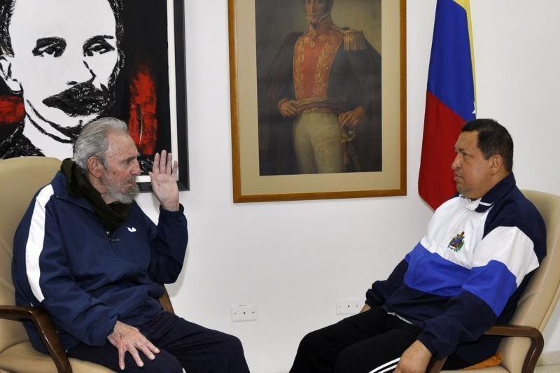 Kuba paskelbė sveikstančio Venesuelos lyderio Chavezo nuotraukas