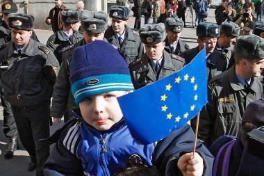 """Baltarusijos kandidatų pažadai: nuo """"rašalo"""" draudimo iki stojimo į NATO"""