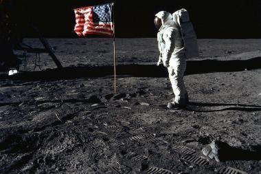 Japonijos ekspertai ragina kurti bazę Mėnulyje
