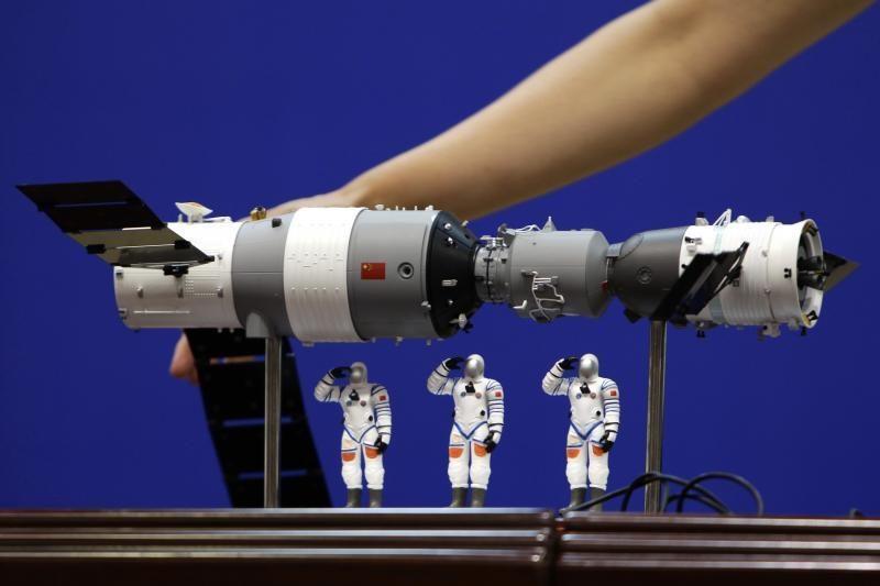 Kinijos astronautai pirmą kartą įėjo į aplink Žemę skriejantį modulį