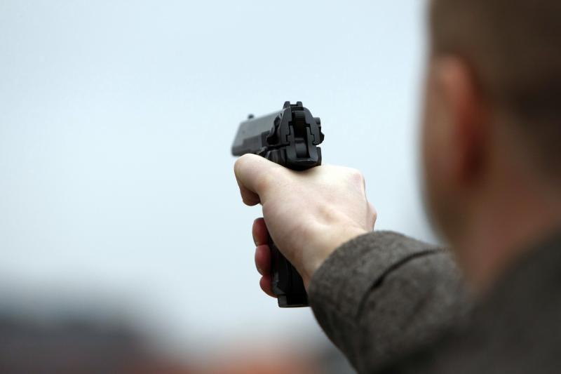 Panevėžyje per konfliktą gatvėje pašautas 20-metis
