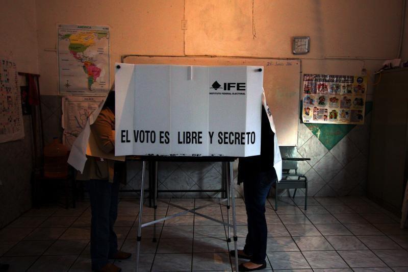 Nuo gaujų smurto pavargusi Meksika renka naują prezidentą