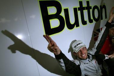 """""""Formulės-1"""" lenktynes Australijoje laimėjo britas"""