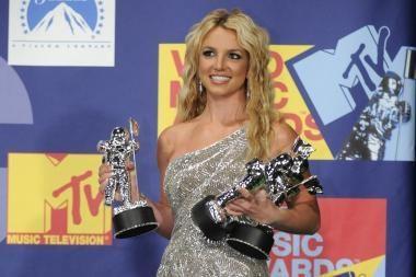 Britney Spears – vėl viršūnėje (video)