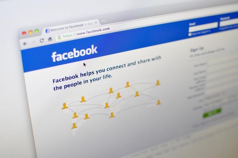 "Dukra savo biologinę motiną rado per ""Facebook"""