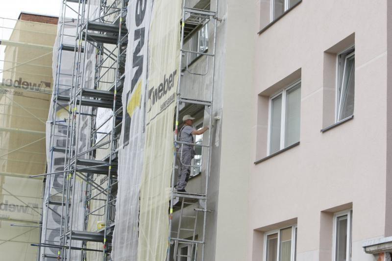 Masinei renovacijai trūksta statybininkų