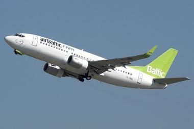 """""""AirBaltic"""" įsigijo dar penkis lėktuvus"""