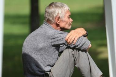 Įmokas į pensijų fondus siūloma mokėti nuo ligos ir motinystės išmokų bei bedarbio pašalpų