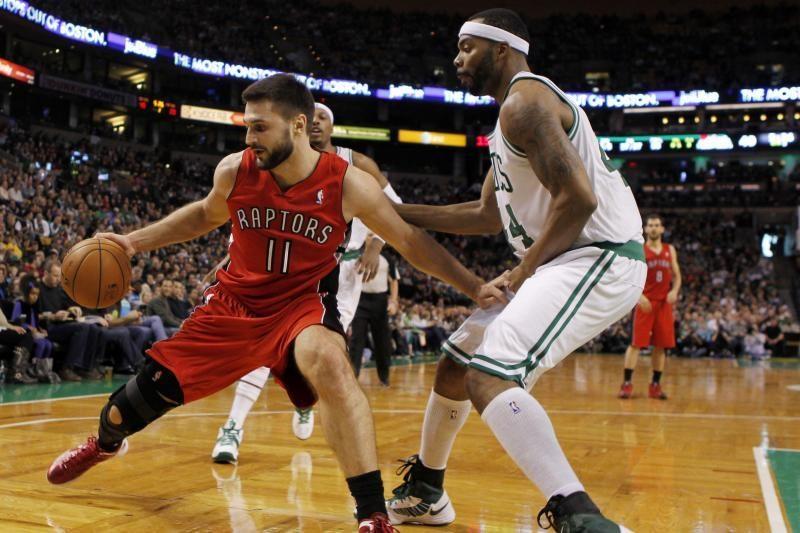 """L. Kleiza žaidė blankiai, """"Raptors"""" pergalių seriją nutraukė """"Spurs"""""""