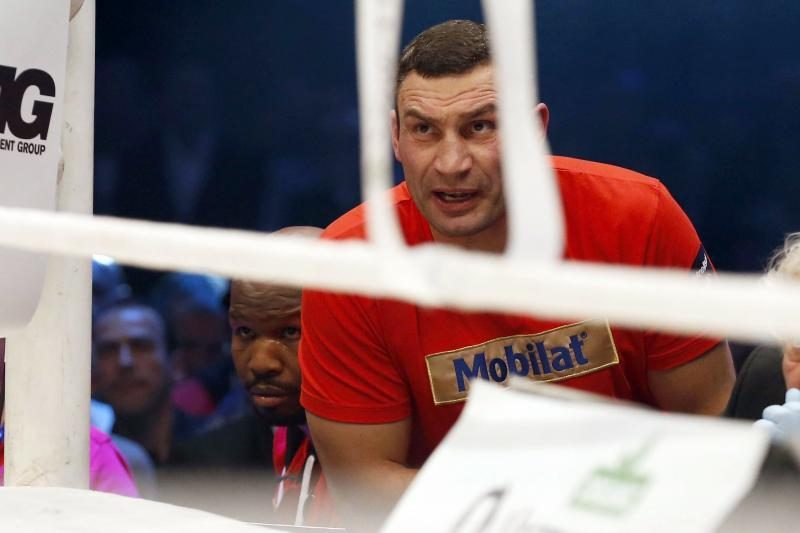 Salotos su vištiena patiesė bokso pasaulio čempioną V. Klyčko