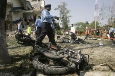 Aukų skaičius po teroro akto Pakistane išaugo iki 50 žmonių