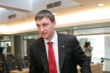 A.Sacharukas giria apkaltos komisijų darbą
