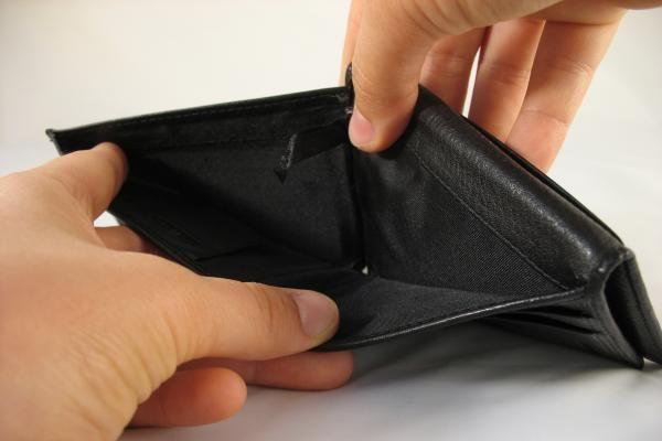 Skolų išieškotojai: kiekvienas yra kažkam skolingas
