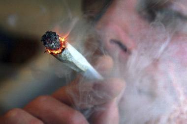 Jaunimas klimpsta į narkotikų liūną