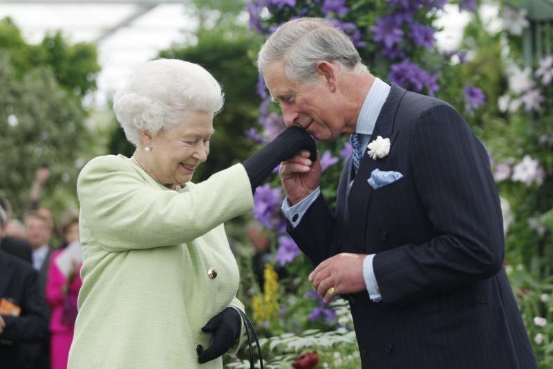 """Britų princas Charlesas asmeniškai pagerbė """"Mamą"""""""