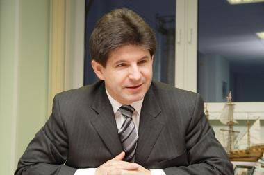 Susisiekimo viceministras: nereikėjo mažinti darbuotojų ambasadose
