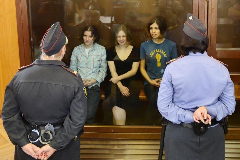 """""""Pussy Riot"""" apskundė teismo nuosprendį dėl jų politinio protesto"""