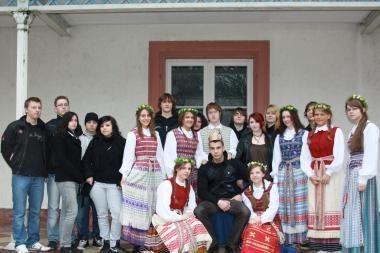 Vasario 16-osios gimnazijai Vokietijoje riesta