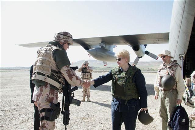 Prezidentė aplankė lietuvių karius Afganistane