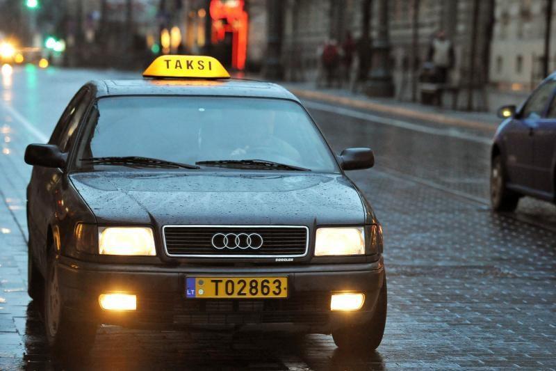 Vilniuje taksistai iš turistų lupa 15 litų už kilometrą