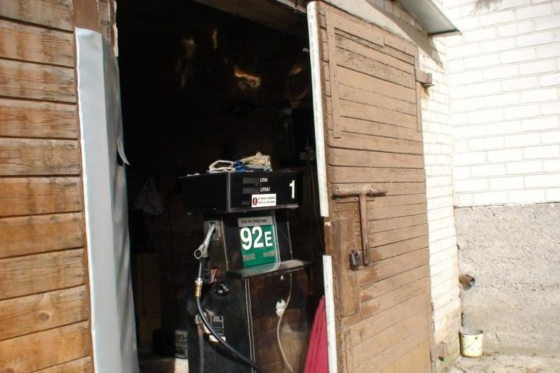 Per kelias savaites apsukruolis dukart įkliuvo dėl degalinės garažuose