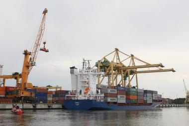 Klaipėdos uoste svarstoma galimybė steigti krovinių paskirstymo centrą