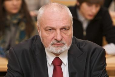 """""""Tvarkietis"""" V.Mazuronis prieš Seimo valdybos valią su R.Paksu išvyko į Kiniją"""