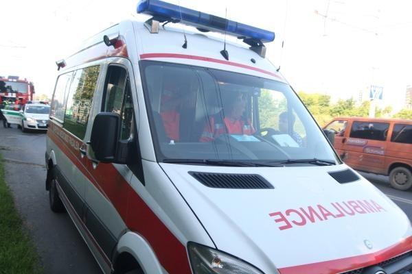 Vilniuje lokomotyvas sužalojo moterį, vėliau ji mirė