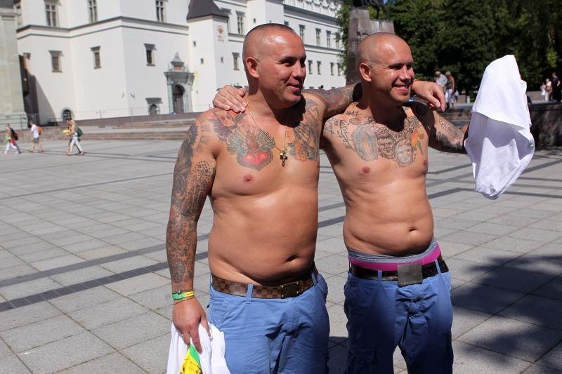 Londone Lietuvos rinktinę garbino dvyniai iš Latvijos