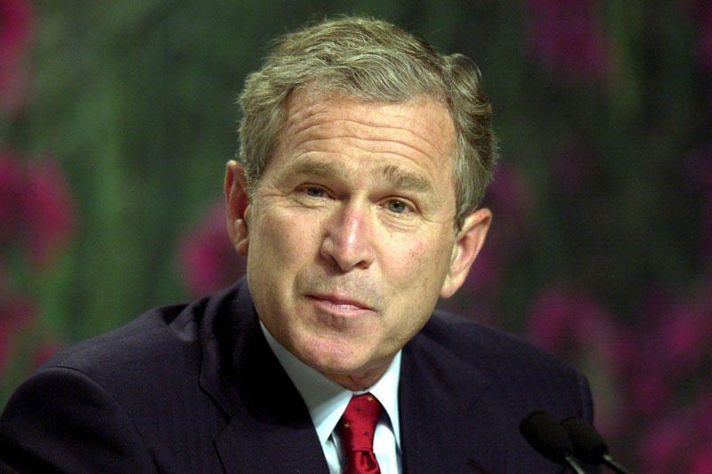 D.Tutu: G.Bushas ir T.Blairas turėtų stoti prieš teismą dėl karo Irake