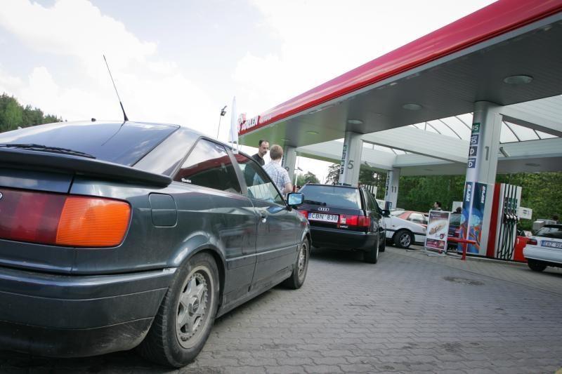 Lietuva nepritaria siūlymui senų automobilių būklę tikrinti dažniau