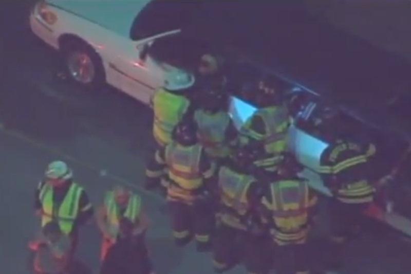 Kalifornijoje užsiliepsnojus limuzinui žuvo penkios moterys