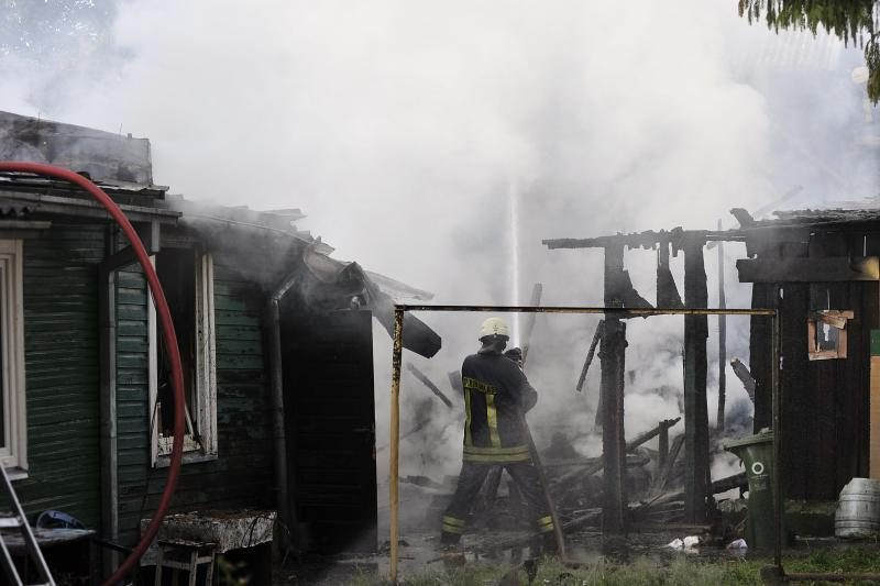 Ugniagesiai skambina pavojaus varpais: daugėja žūstančiųjų gaisruose