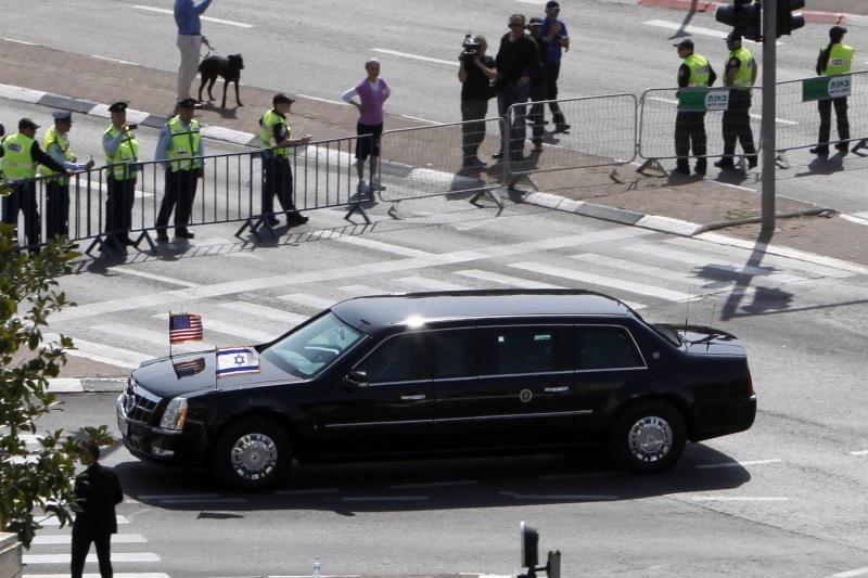 Netipiškas pasikėsinimas į JAV prezidento šarvuotą limuziną