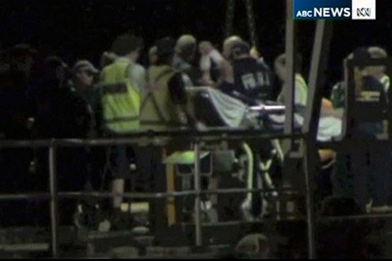 Australijoje nutraukta apvirtusio laivo keleivų paieška