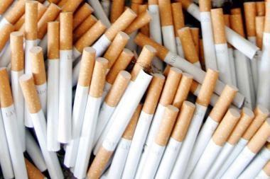 Autobuso variklyje - kontrabandinės cigaretės