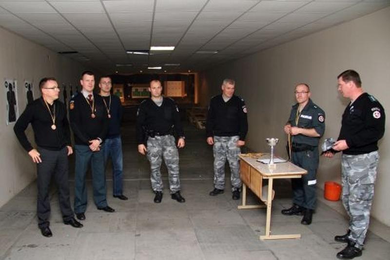 Kviečia į šaudymo turnyrą Klaipėdos policijos šaudykloje