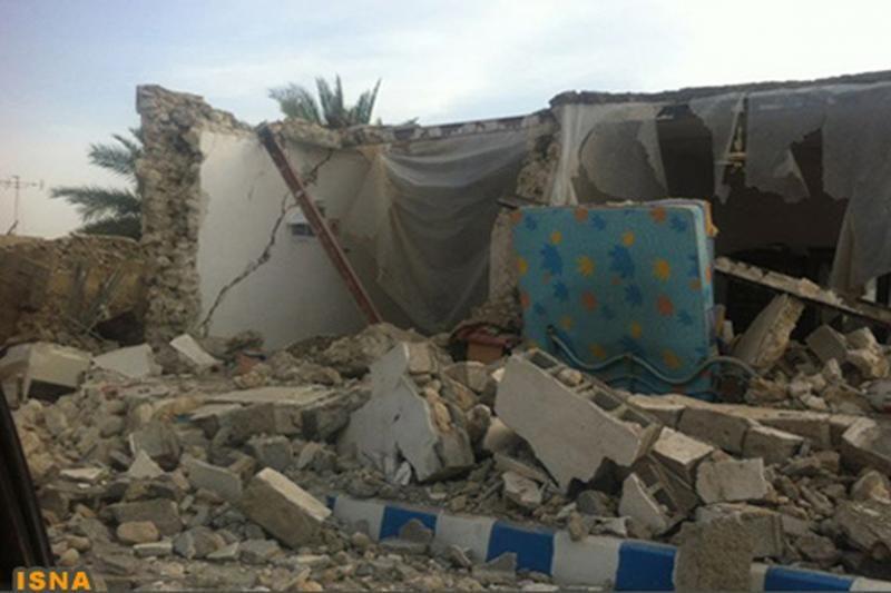 Žemės drebėjimo Irane aukų yra mažiausiai 40