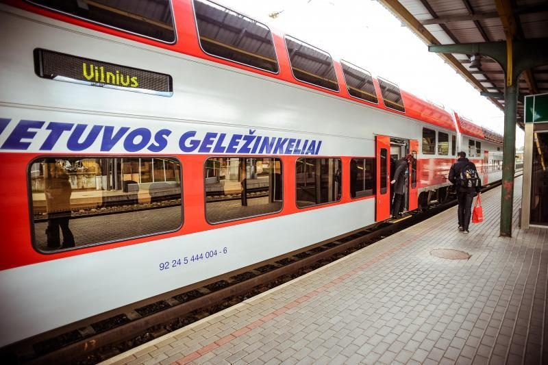 Įdiegus naują sistemą, traukinių bilietus bus galima pirkti internetu