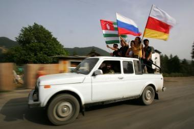 Rusija pripažino P.Osetijos ir Abchazijos nepriklausomybę