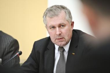 Komiteto vadovas nori efektyvesnio informavimo apie gresiančias audras (papildyta)