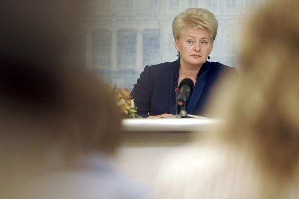 D.Grybauskaitė nepajudinama iš reitingų lentelės viršūnės