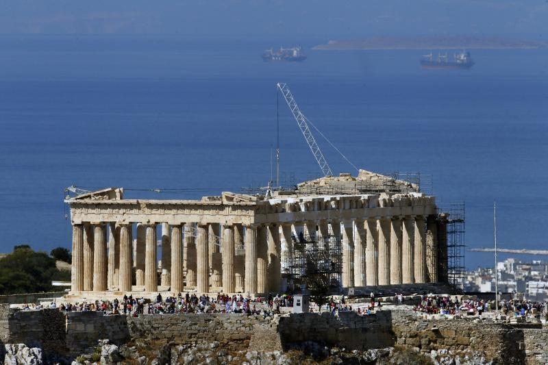 Atėnuose nusižudė nuo Akropolio nušokęs banko darbuotojas