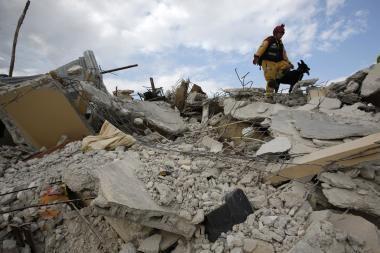 Haityje išgelbėtas 12 dienų po griuvėsiais išbuvęs vyras