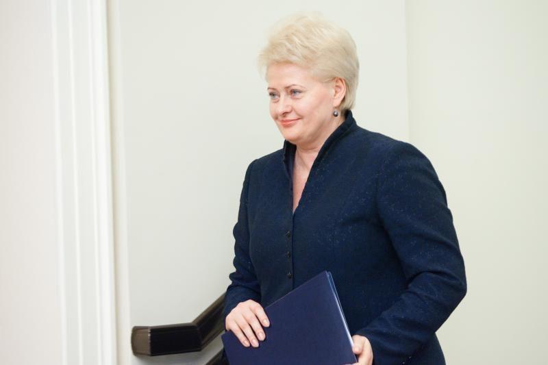 """D.Grybauskaitė ragina Vyriausybę vengti """"mechaninio taupymo"""""""