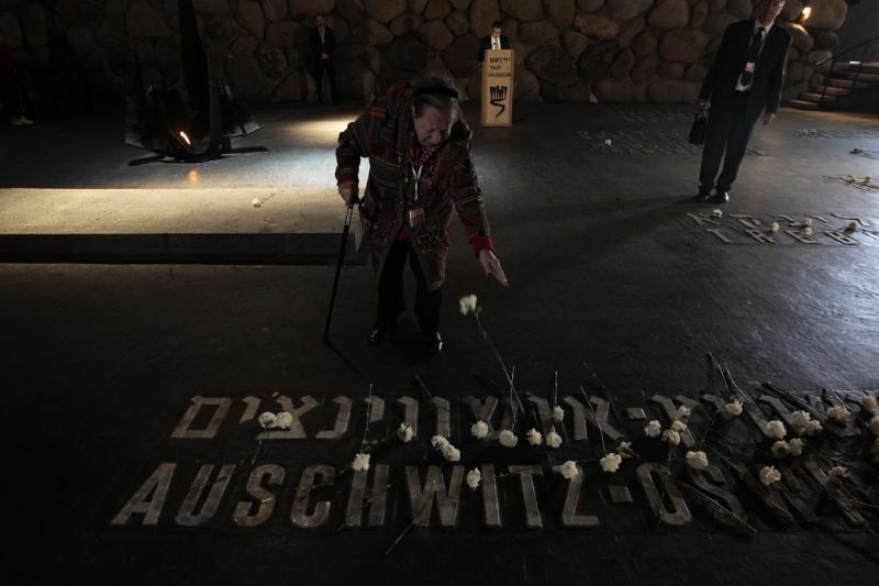 Lenkijos tyrėjai tikisi atpažinti Aušvico didvyrio palaikus