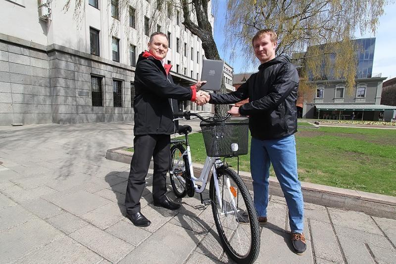 """Festivalyje """"Riga Tourfilm 2013"""" Kaunas apdovanotas dviračiu"""