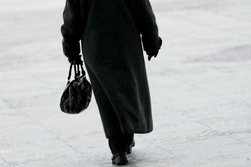 80-metę moterį apiplėšė vidury baltos dienos